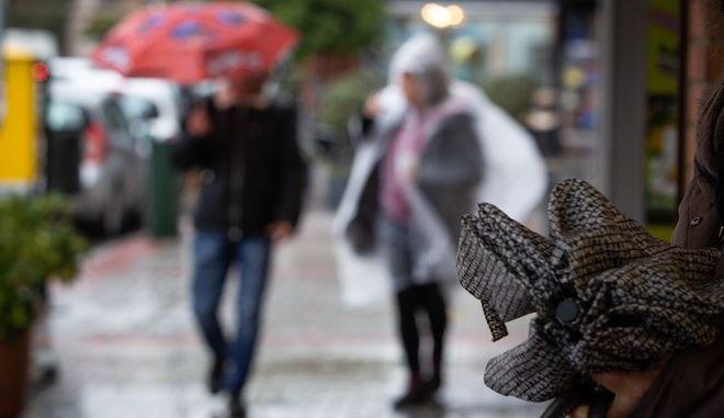 Κακοκαιρία και ισχυροί άνεμοι στην Μυτιλήνη